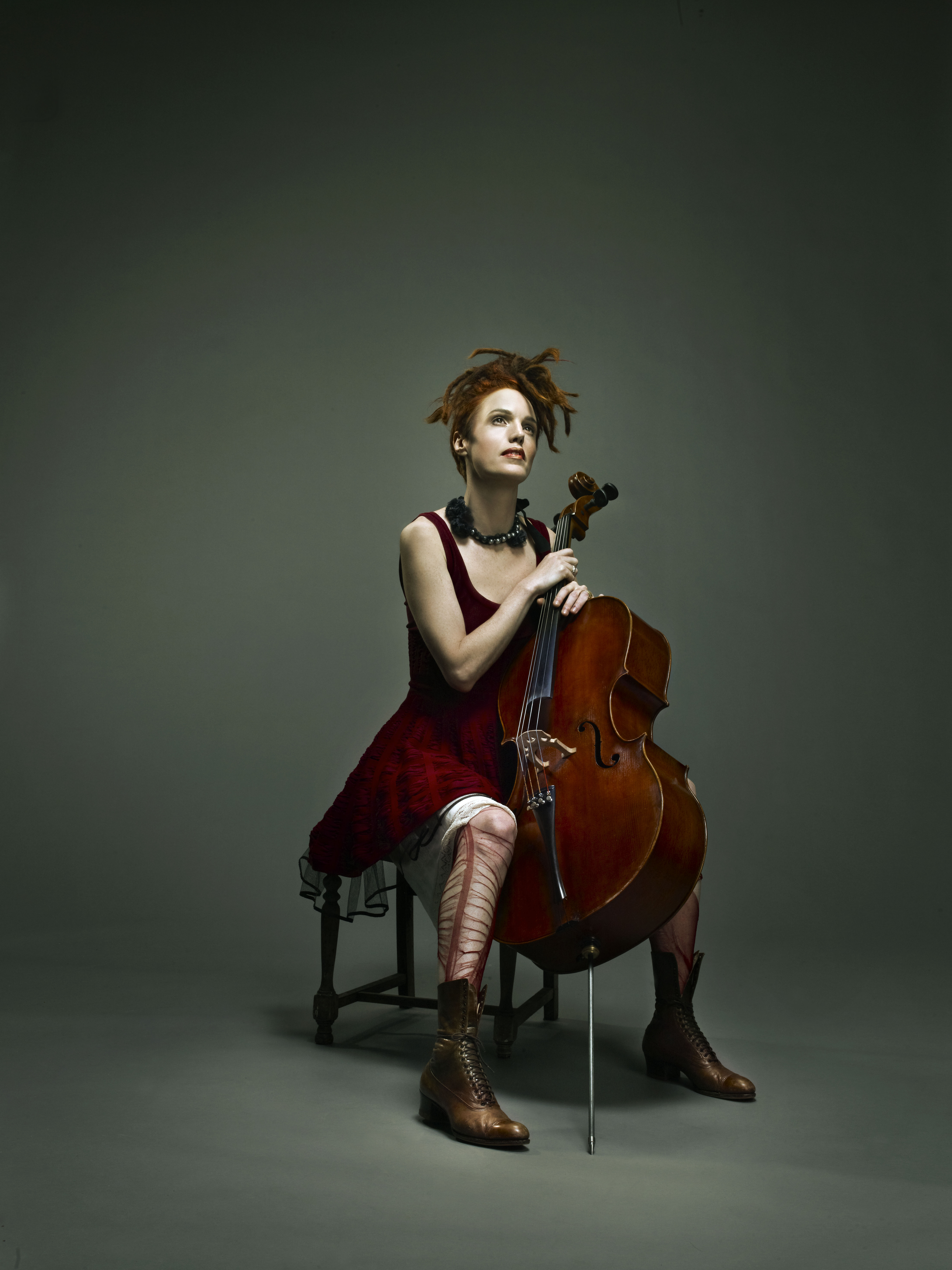 Zoe Keating. Photograph by Claude Shade. Courtesy of the Broadway Center for the Performing Arts