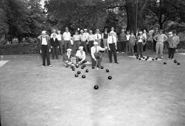 Lawn bowling 1946