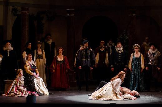 Tacoma Opera's Romeo et Juliette. Photograph by Peter Serko