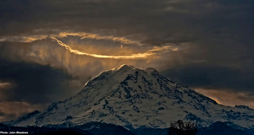 Mount Rainier by John Meadows